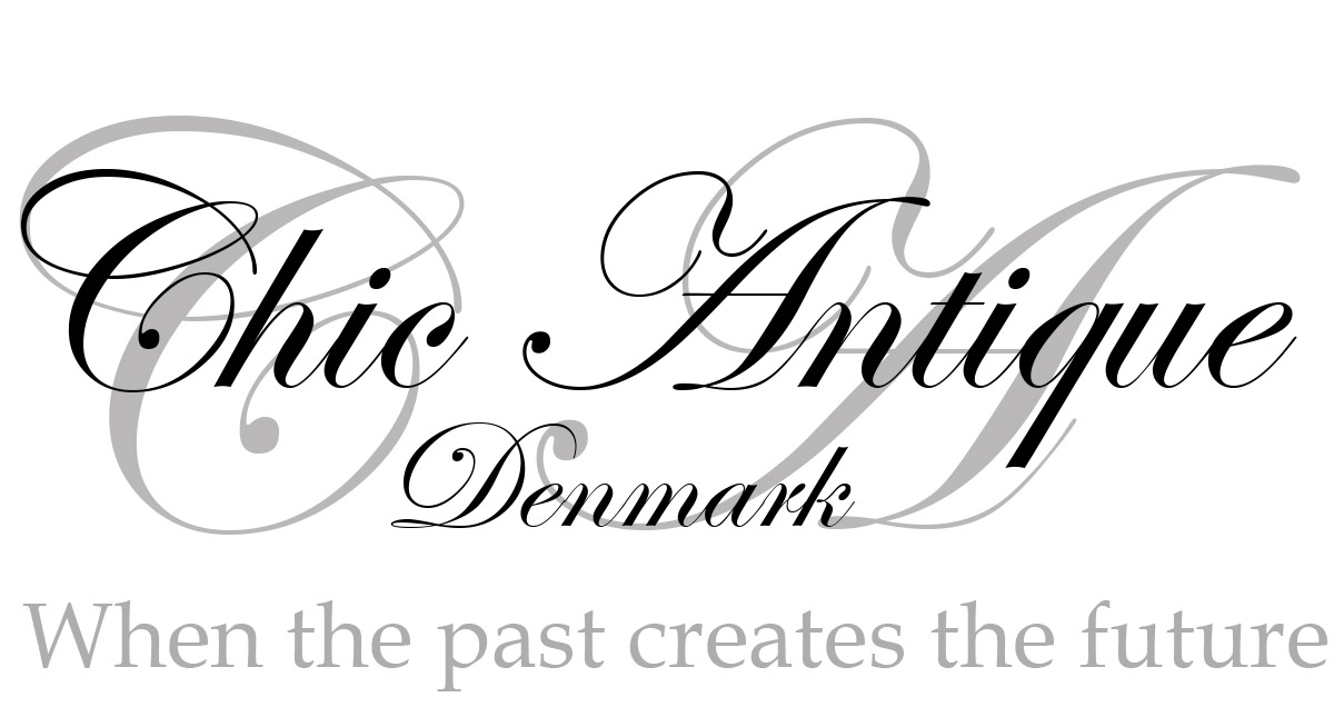Chic Antique Logo